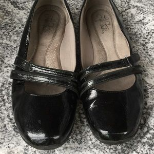 Life Stride shoes black flats size 8.5